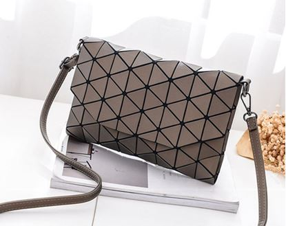 Obrázek Geometrická kabelka - matná hnědá